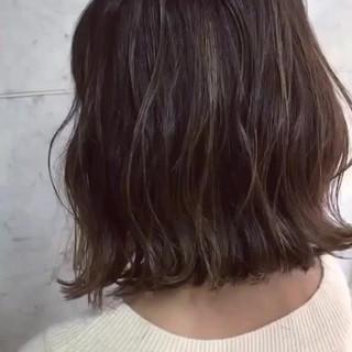 ハイライト 透明感 グレージュ ボブ ヘアスタイルや髪型の写真・画像