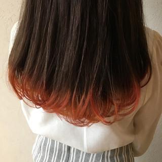 イエロー オレンジ インナーカラー モード ヘアスタイルや髪型の写真・画像