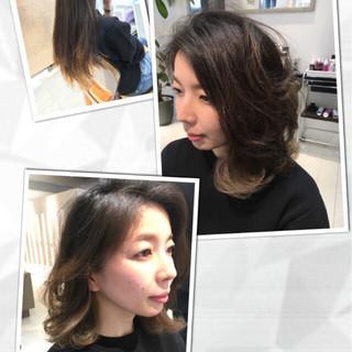 モード バレイヤージュ インナーカラー アッシュ ヘアスタイルや髪型の写真・画像