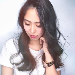 外国人風 斜め前髪 ハイライト 色気 ヘアスタイルや髪型の写真・画像