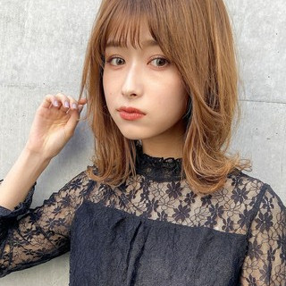 ミディアムレイヤー ナチュラル 大人ミディアム デジタルパーマ ヘアスタイルや髪型の写真・画像