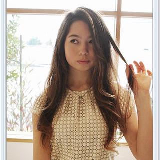 卵型 セミロング グラデーションカラー 外国人風 ヘアスタイルや髪型の写真・画像