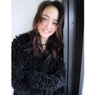 大人女子 暗髪 パーマ ミディアム ヘアスタイルや髪型の写真・画像