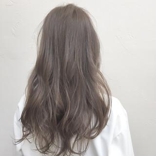 アッシュ リラックス 透明感 ナチュラル ヘアスタイルや髪型の写真・画像