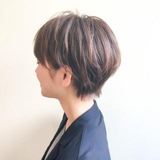 ショート ゆるふわ 大人かわいい ニュアンス ヘアスタイルや髪型の写真・画像