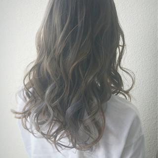 ストリート ブルー グラデーションカラー グレージュ ヘアスタイルや髪型の写真・画像