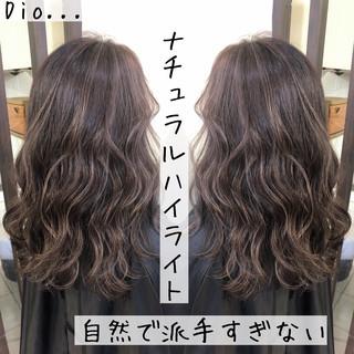 バレイヤージュ 外国人風 コントラストハイライト ブリーチ ヘアスタイルや髪型の写真・画像