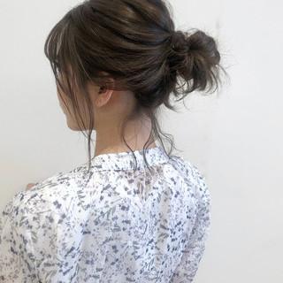 ナチュラル ヘアアレンジ メッシーバン 簡単ヘアアレンジ ヘアスタイルや髪型の写真・画像