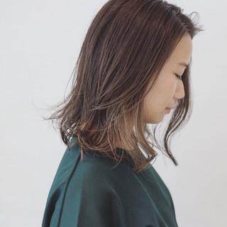 抜け感 インナーカラー ブリーチ ミディアム ヘアスタイルや髪型の写真・画像