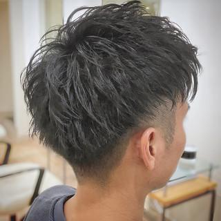 刈り上げ フェードカット ストリート メンズ ヘアスタイルや髪型の写真・画像