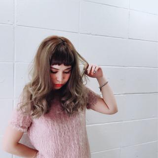 セミロング ガーリー 前髪あり 大人女子 ヘアスタイルや髪型の写真・画像