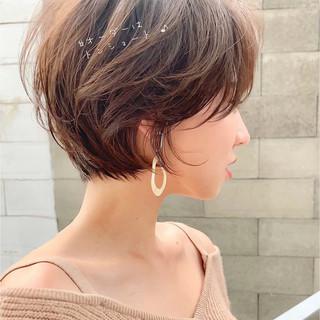 ショートボブ ナチュラル ショートヘア アンニュイほつれヘア ヘアスタイルや髪型の写真・画像