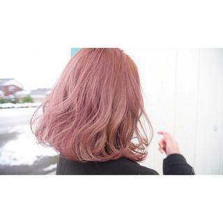 ボブ ピンク ブリーチ ガーリー ヘアスタイルや髪型の写真・画像