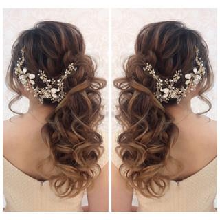 ナチュラル 花嫁 ヘアアレンジ ロング ヘアスタイルや髪型の写真・画像