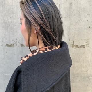 ブリーチ ストリート ベージュ ポイントカラー ヘアスタイルや髪型の写真・画像
