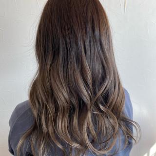 ブラウンベージュ エレガント 大学生 アッシュベージュ ヘアスタイルや髪型の写真・画像