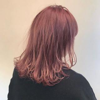 デート ミディアム 冬 ハイライト ヘアスタイルや髪型の写真・画像