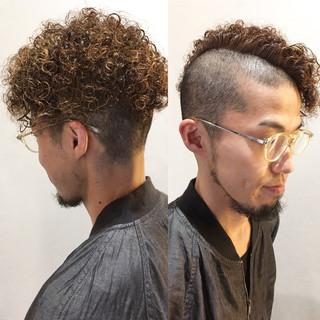 ストリート メンズ パーマ ショート ヘアスタイルや髪型の写真・画像