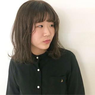 グレージュ アッシュ ゆるふわ 外国人風カラー ヘアスタイルや髪型の写真・画像