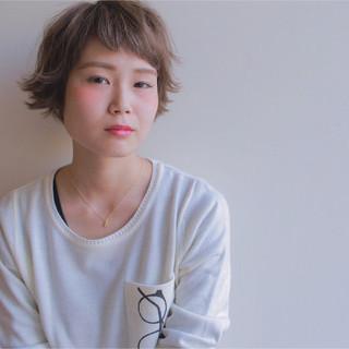 外国人風 ショート 簡単ヘアアレンジ アッシュ ヘアスタイルや髪型の写真・画像