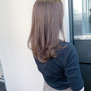 ロング レイヤーロングヘア ナチュラル 大人ロング ヘアスタイルや髪型の写真・画像