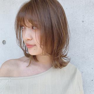 鎖骨ミディアム オリーブベージュ ミディアム 透明感カラー ヘアスタイルや髪型の写真・画像