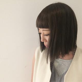 ミルクティーベージュ モード アッシュ グレージュ ヘアスタイルや髪型の写真・画像