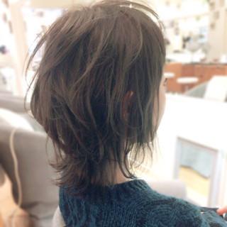 ウルフカット 外ハネ ボブ ナチュラル ヘアスタイルや髪型の写真・画像