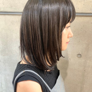ミディアム 簡単スタイリング レイヤーカット ナチュラル ヘアスタイルや髪型の写真・画像