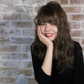 ガーリー フェミニン ハイライト ロング ヘアスタイルや髪型の写真・画像