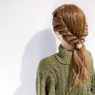 セミロング 上品 ヘアアレンジ エレガント ヘアスタイルや髪型の写真・画像