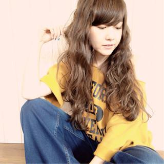 ネイビー モード 抜け感 波ウェーブ ヘアスタイルや髪型の写真・画像