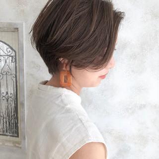 ショートボブ ミルクティーグレージュ ショートヘア ベリーショート ヘアスタイルや髪型の写真・画像