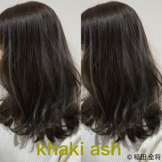 オリーブアッシュ マット ナチュラル可愛い ヘアカラー ヘアスタイルや髪型の写真・画像