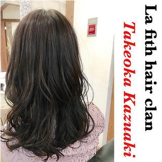 アッシュ 透明感 ロング シルバーアッシュ ヘアスタイルや髪型の写真・画像