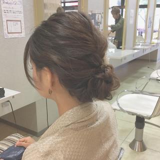 シニヨン ミディアム 結婚式 ゆるふわ ヘアスタイルや髪型の写真・画像