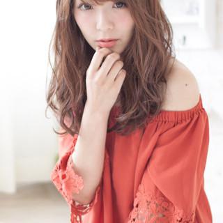 パーマ 外国人風 前髪あり ブラウン ヘアスタイルや髪型の写真・画像