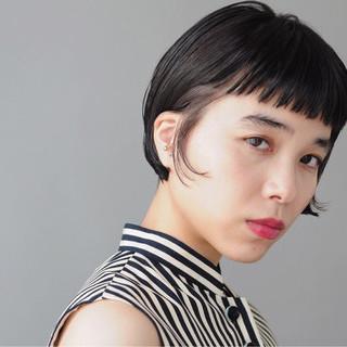 ワイドバング ショートバング インナーカラー モード ヘアスタイルや髪型の写真・画像