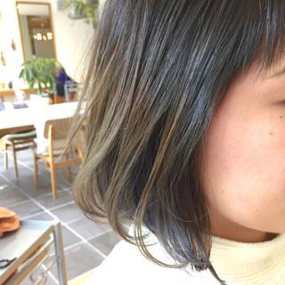 ストリート インナーカラー ネイビー 外国人風 ヘアスタイルや髪型の写真・画像