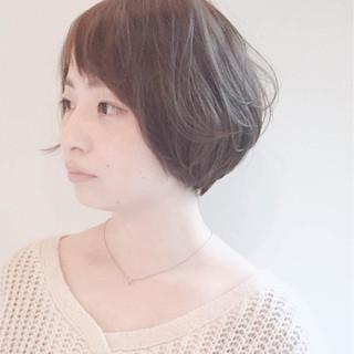 大人女子 ミルクティー ショートボブ 色気 ヘアスタイルや髪型の写真・画像