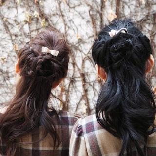 フェミニン ショート 簡単ヘアアレンジ 編み込み ヘアスタイルや髪型の写真・画像