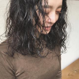 ゆるふわパーマ スパイラルパーマ アンニュイほつれヘア パーマ ヘアスタイルや髪型の写真・画像