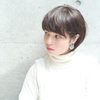 リラックス ボブ グレージュ ナチュラル ヘアスタイルや髪型の写真・画像