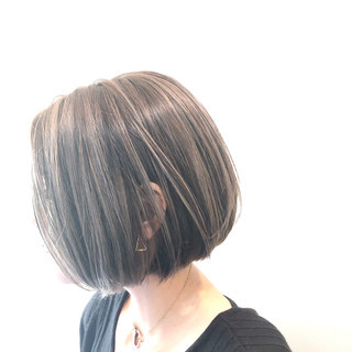 色気 ナチュラル バレイヤージュ グレージュ ヘアスタイルや髪型の写真・画像