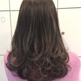 ストリート アッシュグレージュ アッシュグレー セミロング ヘアスタイルや髪型の写真・画像