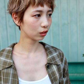 外国人風 無造作ヘア ナチュラル ショート ヘアスタイルや髪型の写真・画像