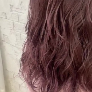 ピンクパープル セミロング ピンク ラベンダーピンク ヘアスタイルや髪型の写真・画像