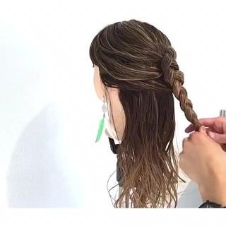 フェミニン 結婚式 簡単ヘアアレンジ デート ヘアスタイルや髪型の写真・画像