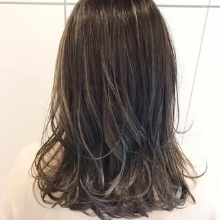 外国人風 ハイライト ゆるふわ セミロング ヘアスタイルや髪型の写真・画像