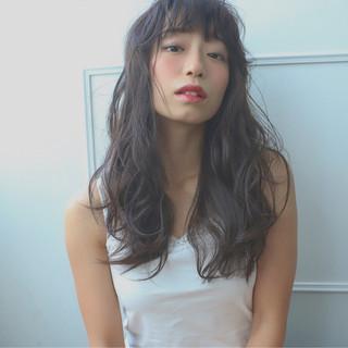 ロング グラデーションカラー 冬 アッシュ ヘアスタイルや髪型の写真・画像